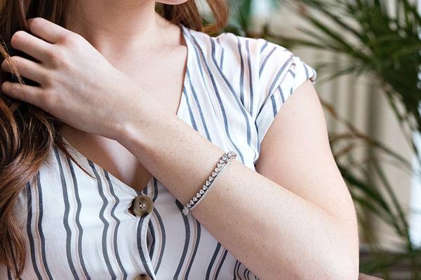 Five Ways To Wear A Tennis Bracelet