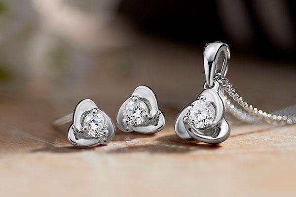 Ladies Luxury Jewellery