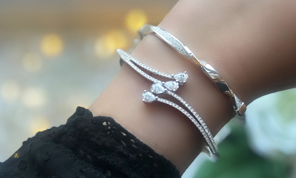 Silver Pear-Shaped Cubic Zirconia Bangle