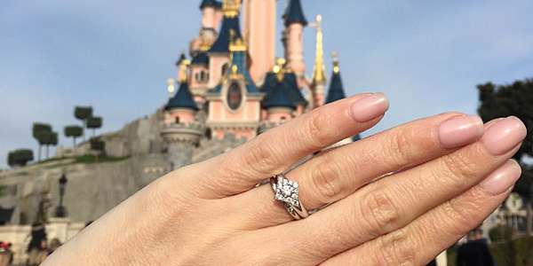 7 Tips On Taking The Perfect Engagement Ring Selfie