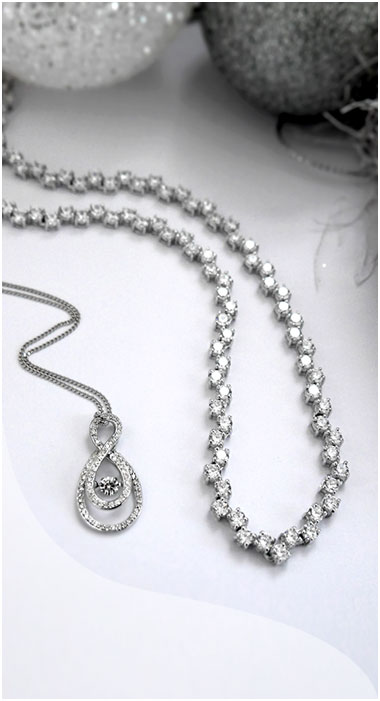 Beaverbrooks Pendants
