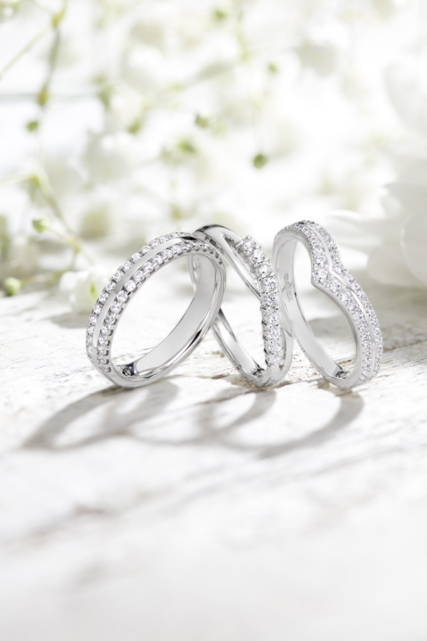 Wedding ring on right hand man hamilton
