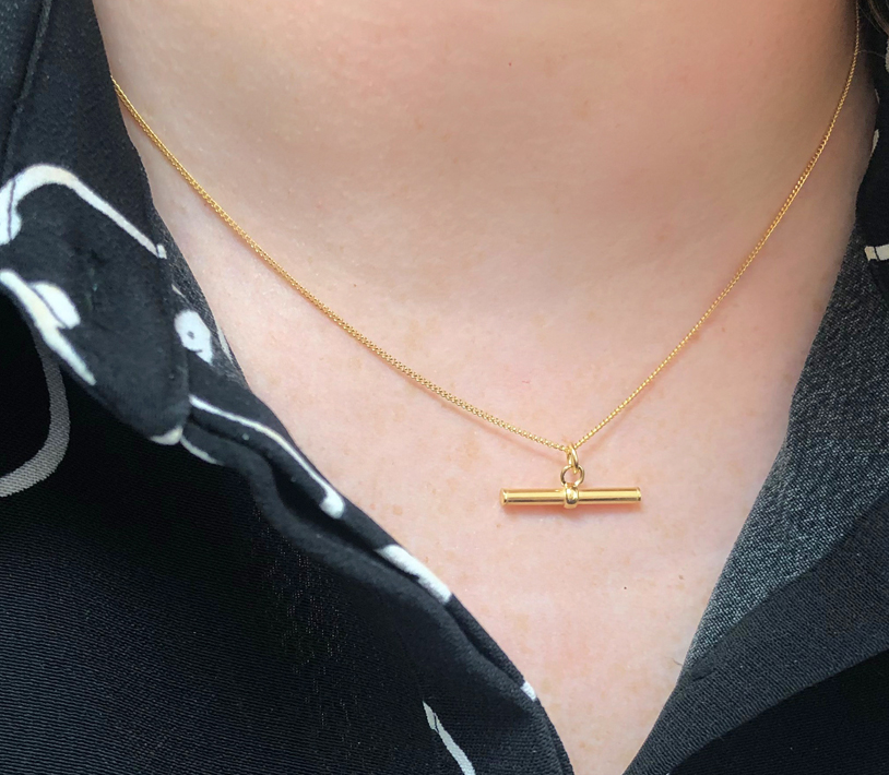 9ct Gold T Bar Pendant